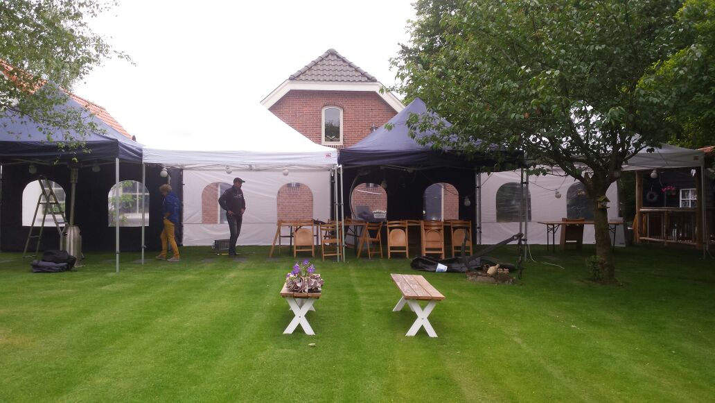Party tent 4x4 mtr POP UP wit